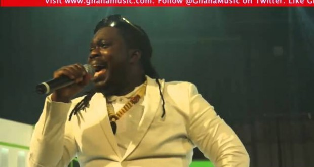 obour-performance-at-back-in-the-day-concert-2015-ghanamusic-com-video-youtube-thumbnail-620x330