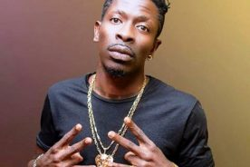 Shatta Wale threatens to sue blogger over alleged 'cocaine' story